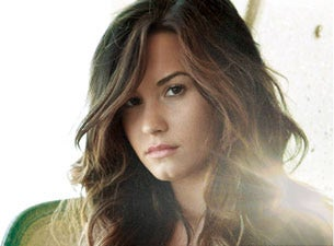 Demi Lovato Tour Schedule on Demi Lovato Tickets   Demi Lovato Concerts   Tour Dates At Livenation